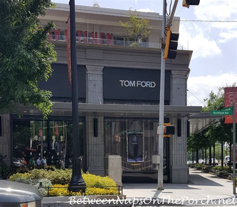 tom ford atlanta tribales earrings diptyque candles the shops