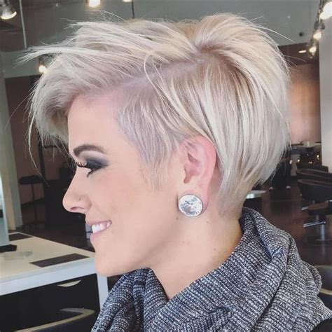 ear length haircuts for thick hair 25 best ideas about messy pixie cuts on pinterest messy