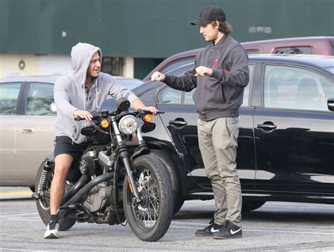how to ride a motocross alex pettyfer teaches his friend how to ride a motorcycle