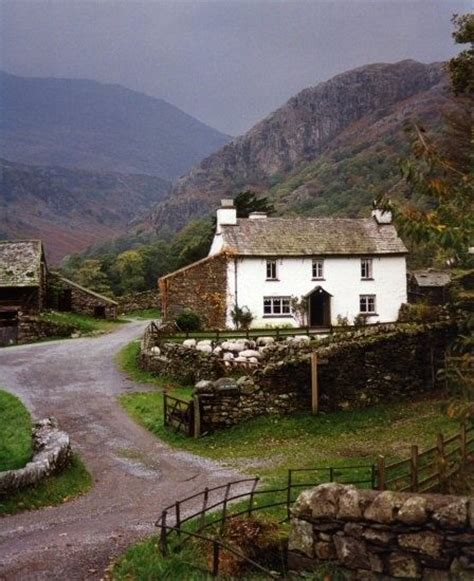 Country Cottages Ireland But As For Me I Wouldnt Mind Living In A Cottage In