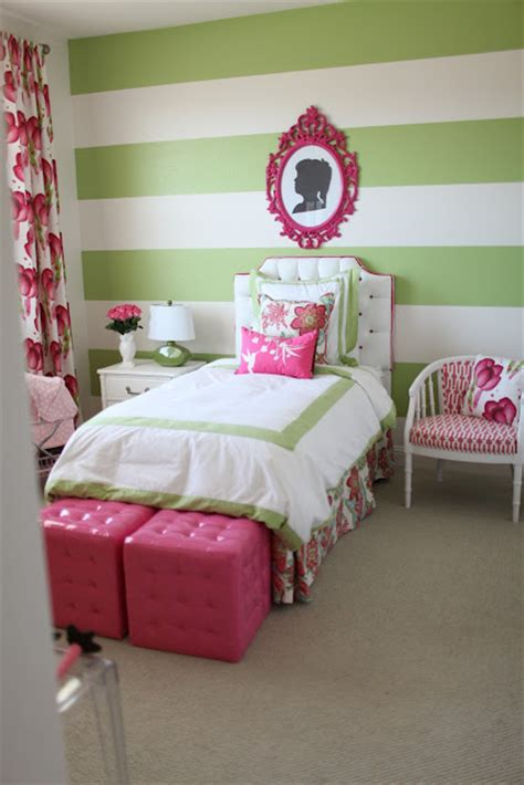 green pink bedroom pink and green bedroom i kind of like the stripes but