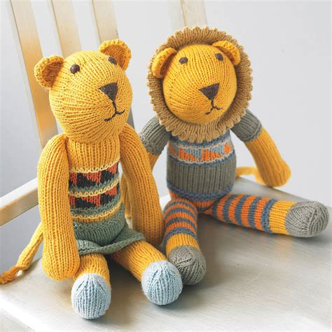 Handmade Soft Toys Free Patterns - knitted soft by chunkichilli