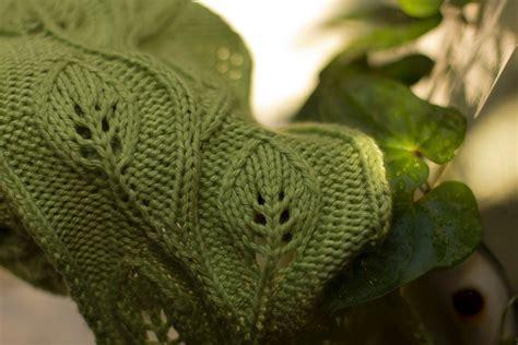 pattern to knit a leaf knit daphne scarf free knitting pattern