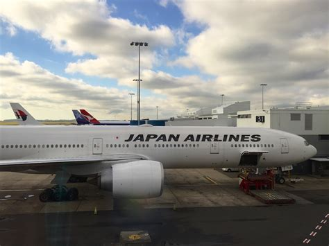 japan airlines class review