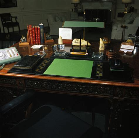 Where In The White House Is The Oval Office st m20 3 61 president john f kennedy s desk john f