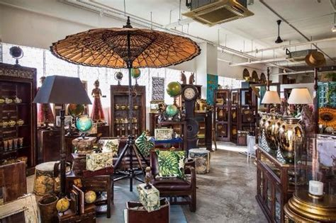 Small Home Decor Shops What A Shop Treasures Antiques Home Decor Furniture