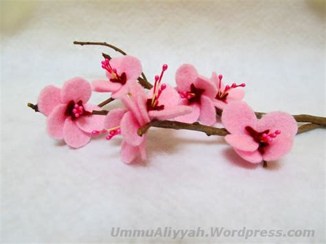 Putik Bunga Imitasi bunga ummu aliyyah ath thabrani