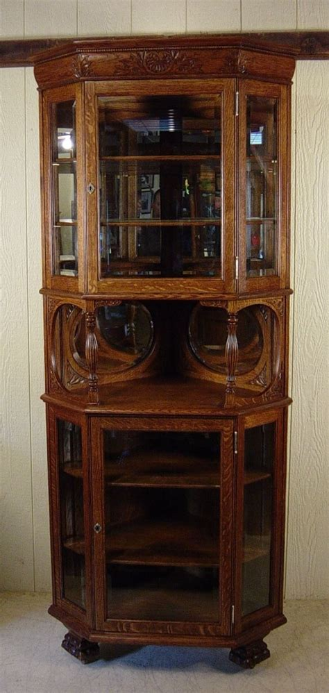 small corner china cabinet 25 best ideas about corner china cabinets on