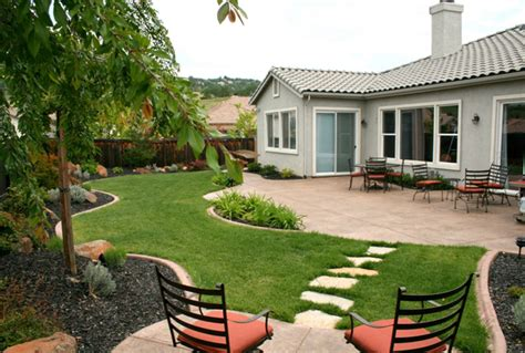 Backyard Design Ideas On A Budget by Backyard Landscaping Ideas And Look For Designs