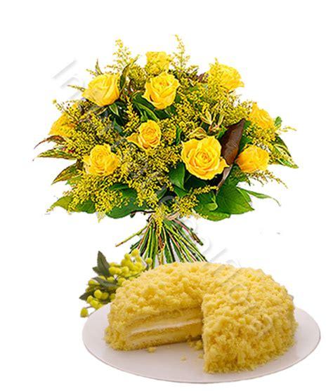 bouquet mimosa e fiori foto torta mimosa con bouquet di gialle e mimosa