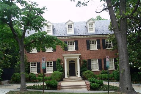 clinton house inside hillary clinton s homes