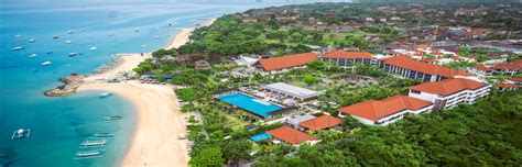 entertainer fairmont sanur beach bali