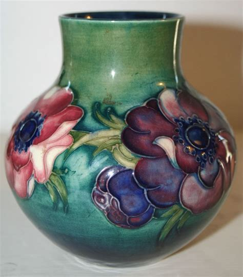 Handy Pantry Bohemia by Moorecroft Vase 28 Images Lot No 584 A Modern