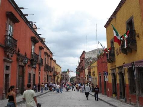 greater than a tourist san miguel de allende guanajuato mexico books endless tours cancun mexican violence isn t that widespread