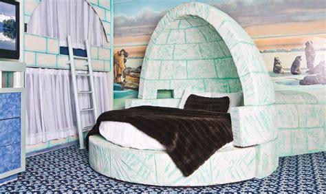 west edmonton mall hotel themed rooms igloo luxury theme fantasyland hotel