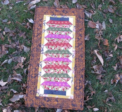 japanese lantern table l japanese lantern table runner pattern from the quilter s