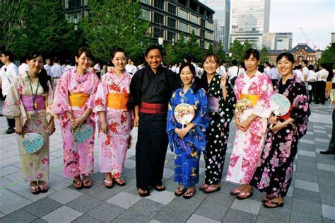 Yukata Japan Baju Tradisional Jepang Untuk Anak ritual siram air di jepang is a journey