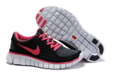 pink and black nike running shoes womens nike free run black pink shoes womens nike free