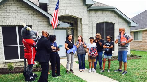 buying a house as a single mom army veteran and single mom gets a house for free in dallas area realtor com 174