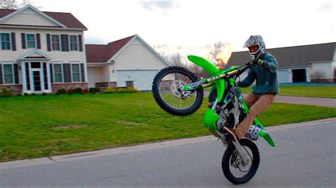 how to wheelie a motocross bike dirtbike wheelie how to tips