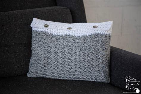 crochet zig zag pillow pattern cabled zig zag rectangle pillow crochet pattern