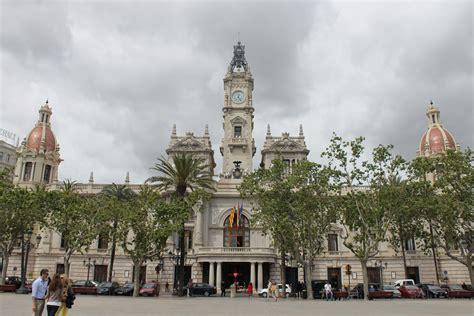 ayuntamiento de valencia ayuntamiento file ayuntamiento de valencia 1 jpg wikimedia commons