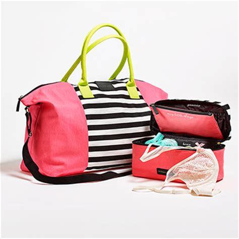 Victoria Secret Giveaway Bag - victoria s secret gives away travel case and getaway bag nerdwallet