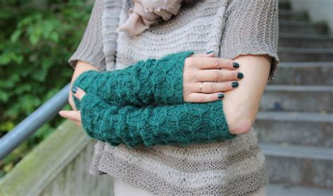 pickles knitting arm warmers free pattern on pickles knitted arm leg