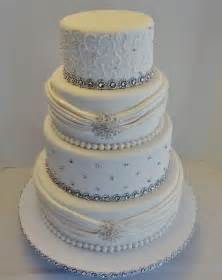 royal blue and white wedding cake ideas like the