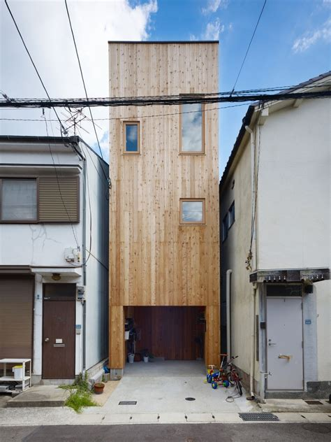 Narrow House | 11 spectacular narrow houses and their ingenious design