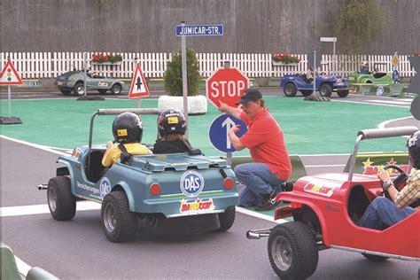 Kinder Die Auto Fahren by Jumicar Autofahren F 252 R Kinder Hamburgers