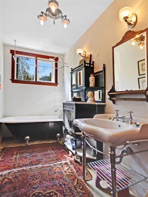 Clawed Bathtub Found On Trulia California Home With Laid Back Boho Style