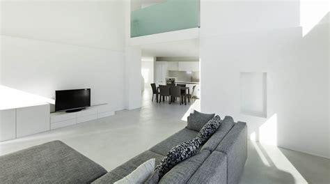 cemento pulido blanco cinco motivos para elegir los pisos de cemento pulido en