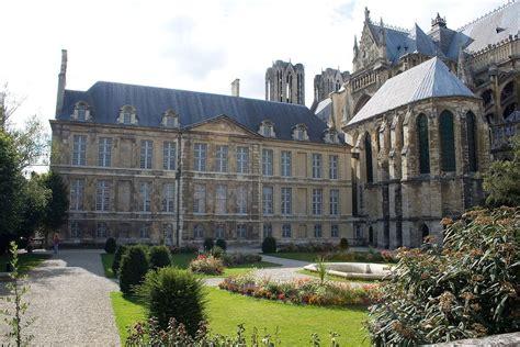 le tau palace of tau