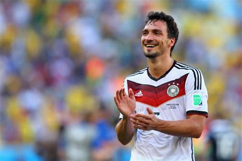 matts hummels manchester united told to forget signing mats hummels