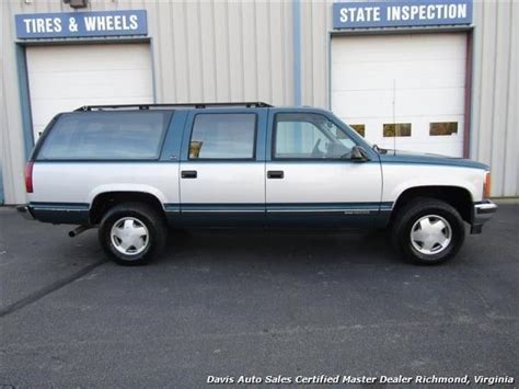 manual cars for sale 1993 gmc suburban 1500 interior lighting 1993 gmc suburban k 1500 series sle 4x4 loased 237641 miles green suv automatic for sale gmc