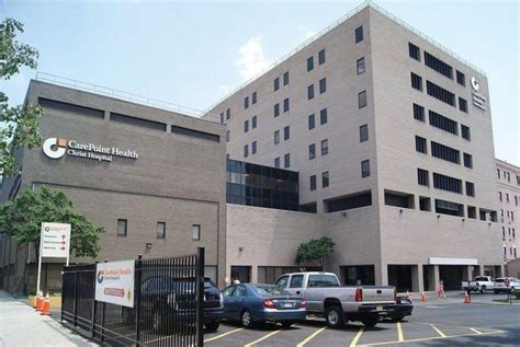 n j charged with throwing iv bag at hospital doctor