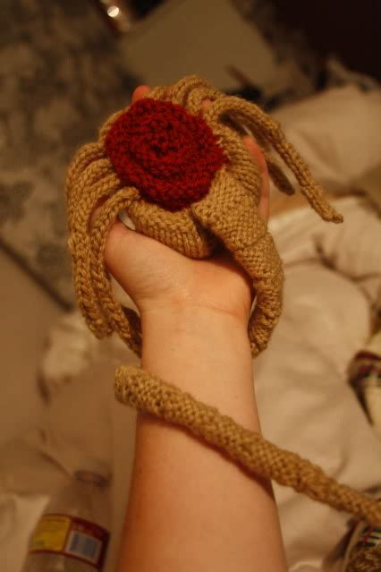 knitted facehugger how to knit an facehugger make
