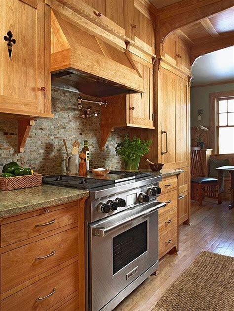 natural oak kitchen cabinets best 25 natural stone backsplash ideas on pinterest