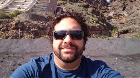imagenes oscuras de hombres photo gratuite l homme lunettes de soleil selfie