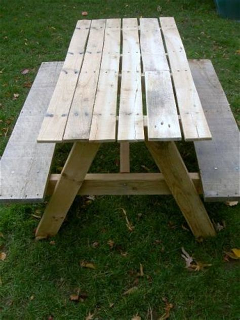 Picnic Table Diy by White Picnic Table Diy Projects