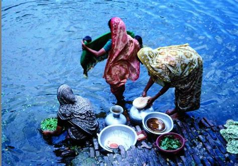 washing colored clothes in water the delhi superbug debate a mirror reflecting our own