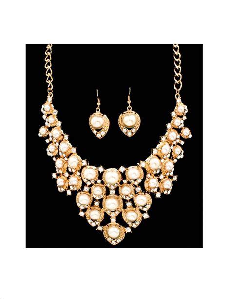 S F Sf6182qz Necklace Offwhite chunky white pearl rhinestone bib