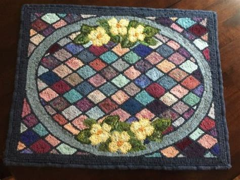 Traditional Rug Hooking by 1892 Best Images About Rug Hooking On