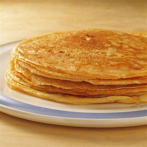 pfannkuchen kuchen pfannkuchen grundrezept einfach und lecker k 252 cheng 246 tter