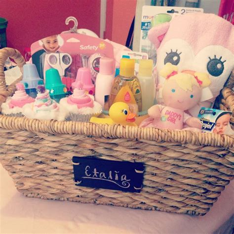 Gifts For Baby Showers Ideas by 25 Unique Baby Baskets Ideas On Baby Shower