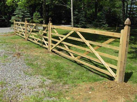 staccionate in legno per giardini staccionate recinzioni come scegliere le staccionate