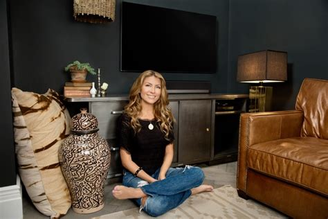 Living Room Wall Colors Hgtv S Genevieve Gorder Shares Highlights From Her