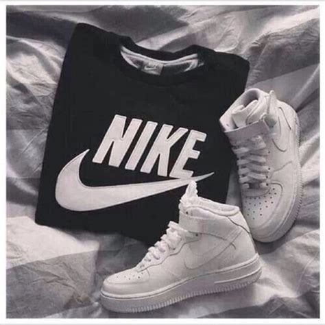 Sweaterjaket Nike t shirt sweater jacket nike sweatshirt shoes nike jumper nike sweater black black