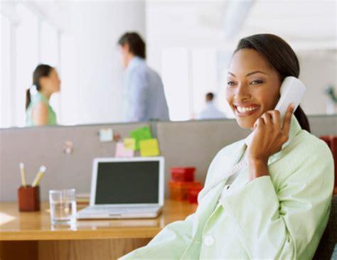 Dengarkan Dan Pahami 10 kualifikasi bagi customer service bisnis anda media